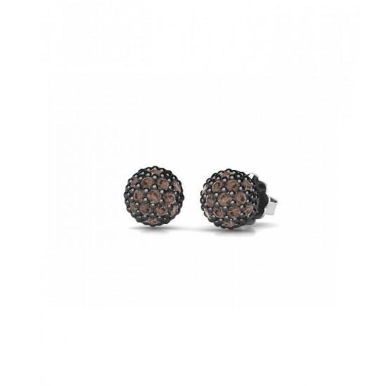 Pendientes pequeños de plata, adornados con circonitas de color marrón.