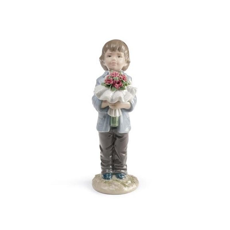Figura de porcelana de Lladró Te Mereces lo Mejor (Niño)
