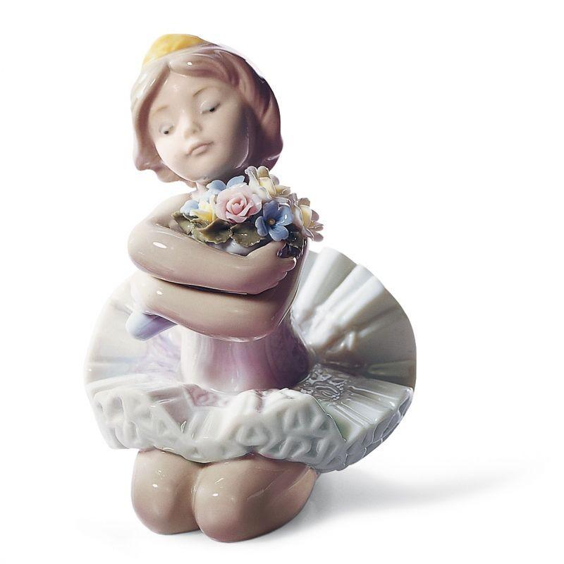 Figura de porcelana Lladró Niña Debutante