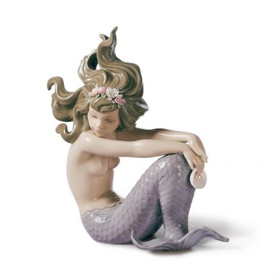 Figura de porcelana de Lladró Sirena con brazos en las rodillas