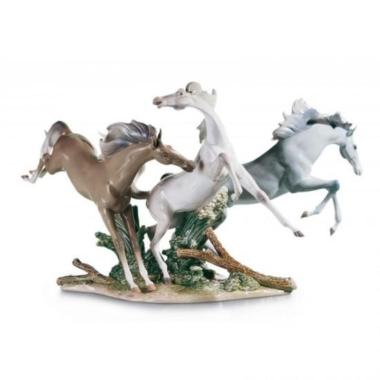Figura de porcelana de Lladró Caballos en libertad