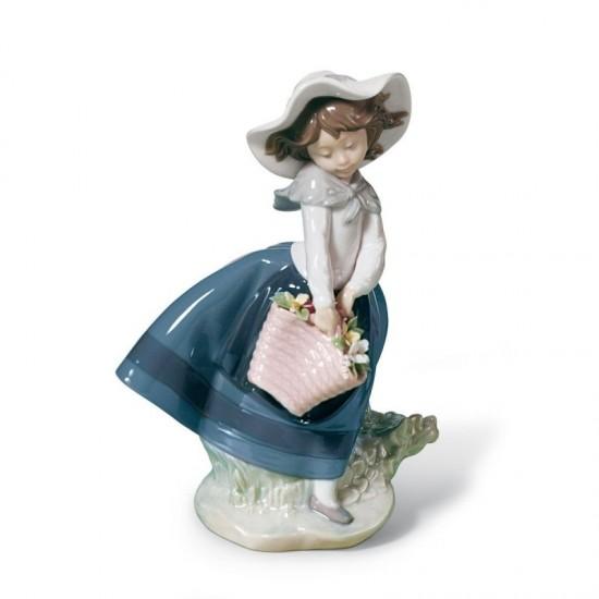 Figura de porcelana de Lladró Linda con capazo