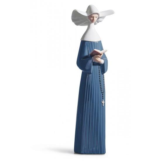 Figura de porcelana de Llaró Monjita leyendo