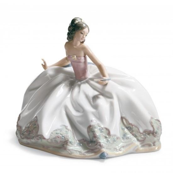 Figura de porcelana de Lladró Sentada en la fiesta