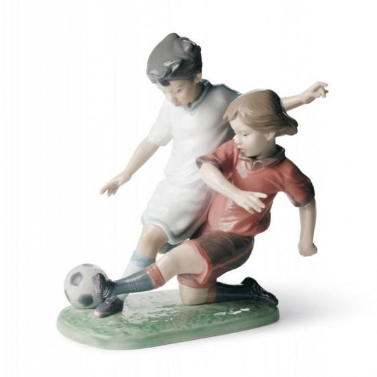 Figura de porcelana de Lladró Promesas del balón