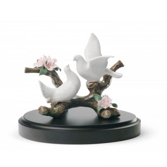 Figura de porcelana de Lladró Palomas en cerezo