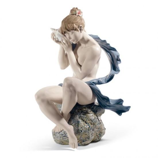 Figura de porcelana de Lladró Los susurros del mar (rubia)