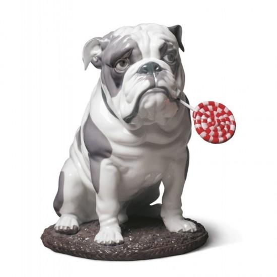 Figura de porcelana de Lladró Bulldog con piruleta