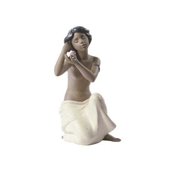 Desnudo con flor