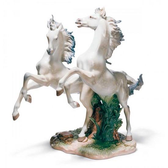 Figura de porcelana de Lladró Libres Como el Viento