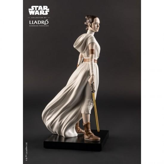 Lladró porcelain figure_Star Wars Rey _right profile