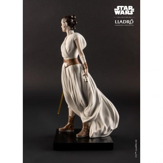 Lladró porcelain figure_Star Wars Rey _left profile