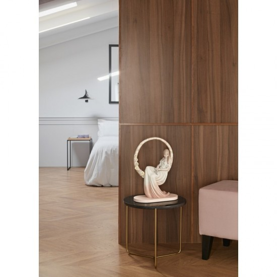 Lladró porcelain figurine In your thoughts_room