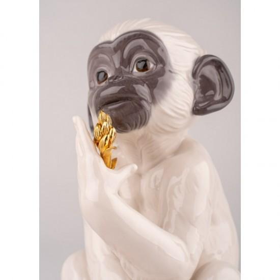Lladró porcelain figurine of a white monkey_face detail