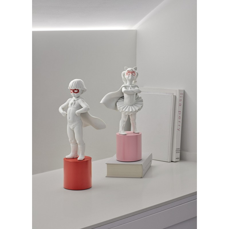 Lladró porcelain figurine Boy hero to the rescue_setting