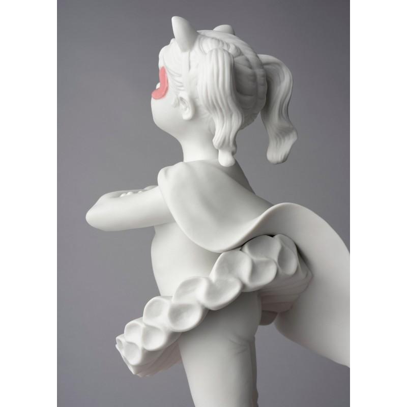 Lladró porcelain figurine Girl I am a superheroine_detail