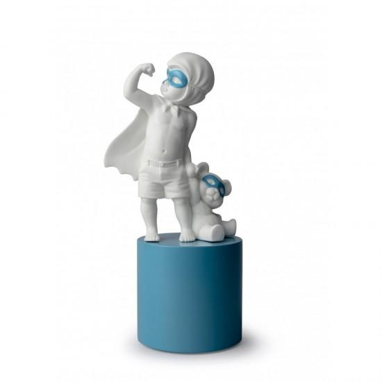Figura de porcelana Lladró Bebé superheroe con osito de peluche