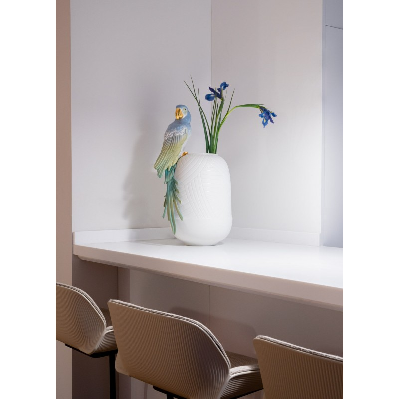 Lladró Macaw porcelain vase_setting
