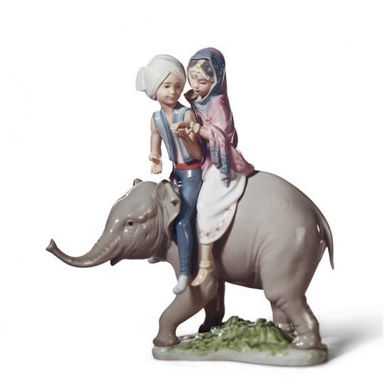 Figura de porcelana Lladró Niños Hindúes Sobre Elefante